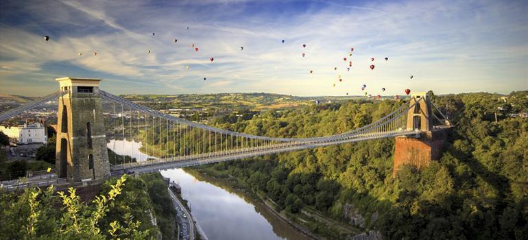 Balloons over Clifton Suspension Bridge. Credit: Gary Newman